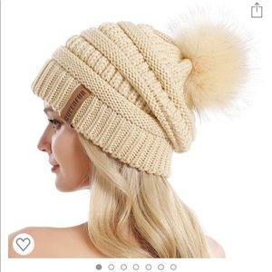 Queenfur Accessories - Winter Faux Fur Beanie